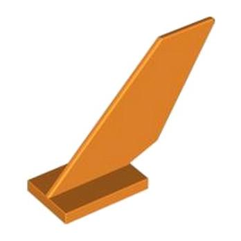 LEGO 6221689 GOUVERNAIL 2X6X4 - ORANGE lego-6221689-gouvernail-2x6x4-orange ici :
